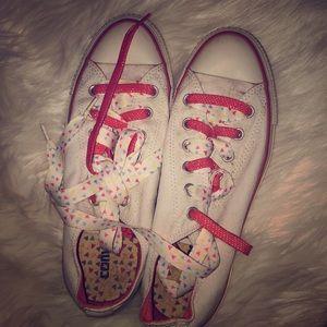 Adorable Converse Sneakers!